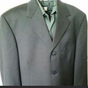 Pierre Cardin Men's suit-Jacket size 42Reg100%wool